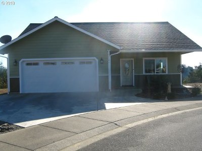 Coos Bay Single Family Home For Sale: 63391 Nathan Dr