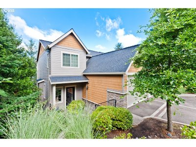 Lake Oswego Condo/Townhouse For Sale: 12848 Boones Ferry Rd