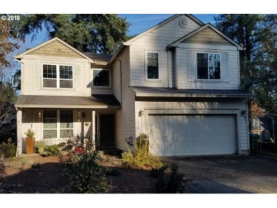 Single Family Home For Sale: 17350 Ashley Ct