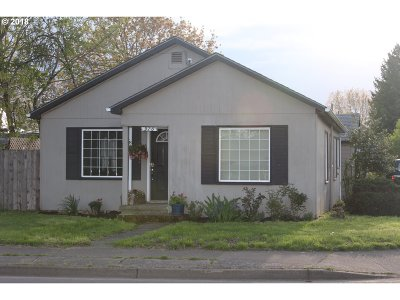 Eugene Single Family Home For Sale: 970 Chambers St