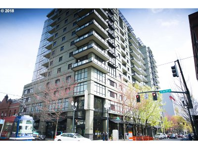 Portland Condo/Townhouse For Sale: 1025 NW Couch St #1219