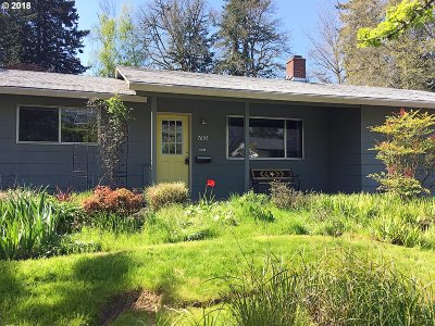 Beaverton Single Family Home For Sale: 7655 SW Bel Aire Dr