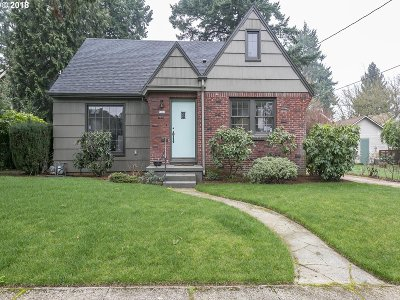 Portland Single Family Home For Sale: 5903 NE 32nd Ave