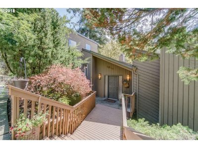 Lake Oswego Single Family Home For Sale: 2814 Overlook Dr