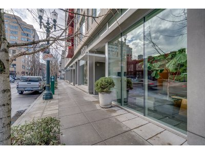 Condo/Townhouse For Sale: 937 NW Glisan St #435