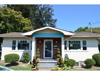 Single Family Home For Sale: 8215 NE Prescott St