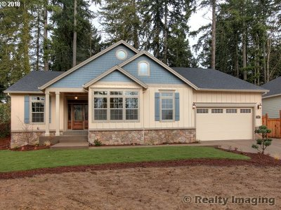 Estacada Single Family Home For Sale: 1555 NE Heaven St
