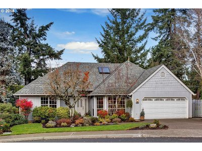 Lake Oswego OR Single Family Home For Sale: $569,500