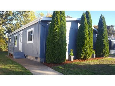 Cottage Grove, Creswell Single Family Home For Sale: 700 N Mill St Space 36