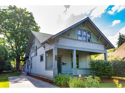Hillsboro Single Family Home For Sale: 456 SE 6th Ave
