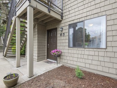 Lake Oswego Condo/Townhouse For Sale: 65 Galen St
