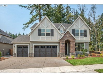 Milwaukie, Clackamas, Happy Valley Single Family Home For Sale: 9711 SE Charbonneau Way