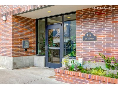 Condo/Townhouse For Sale: 618 NW 12th Ave #408