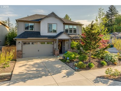 Clackamas Single Family Home For Sale: 13524 SE Almond Dr