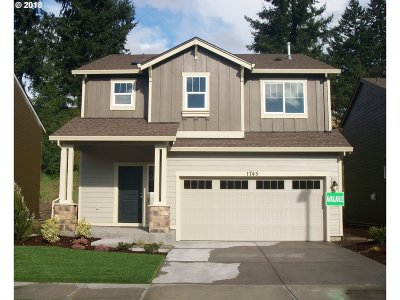Happy Valley, Clackamas Single Family Home For Sale: 17043 SE Rhododendron St