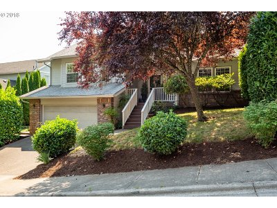 Portland Single Family Home For Sale: 15633 SW Colyer Way