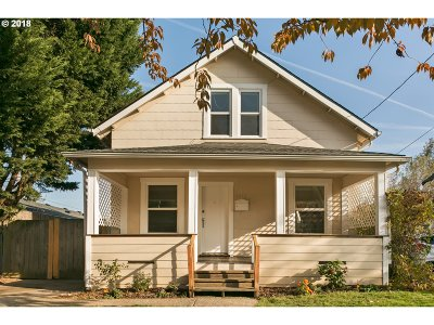 Multnomah County Single Family Home For Sale: 6012 SE 87th Ave