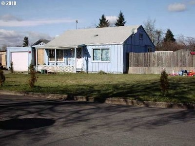 Springfield Single Family Home For Sale: 2360 F St