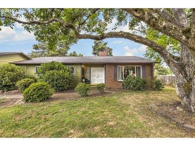 Gresham Single Family Home For Sale: 637 NE 188th Ave