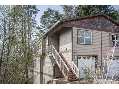 Lincoln City Single Family Home For Sale: 1441 SE Marine Ave