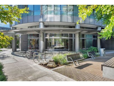 Condo/Townhouse For Sale: 3601 SW River Pkwy #907