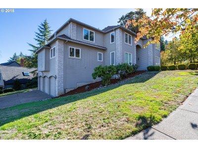 Lake Oswego OR Single Family Home For Sale: $899,900