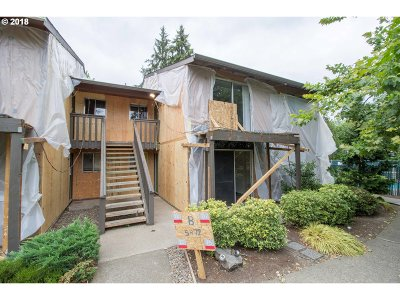 Beaverton Condo/Townhouse For Sale: 5472 SW Alger Ave #B16