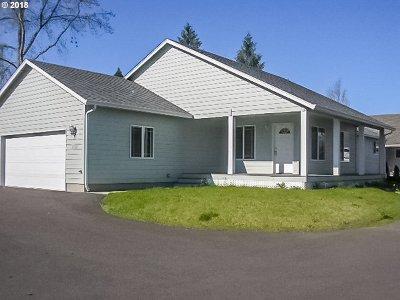 Roseburg Single Family Home For Sale: 1352 NW Keasey St