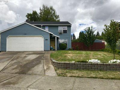 Forest Grove Single Family Home For Sale: 1302 Emily St