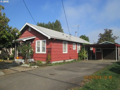 St. Helens Single Family Home For Sale: 44 S 21st St