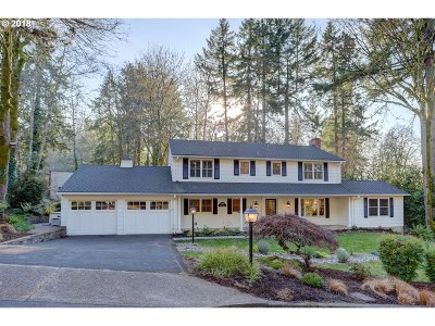 Lake Oswego Single Family Home For Sale: 3100 Westview Ct