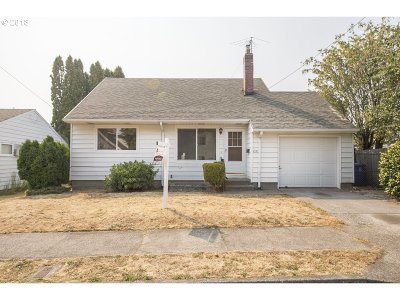 Portland Single Family Home For Sale: 4523 SE 99th Ave