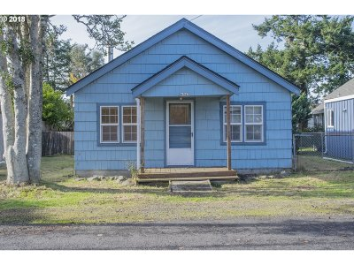 Lincoln City Single Family Home For Sale: 4943 SE Keel Ave