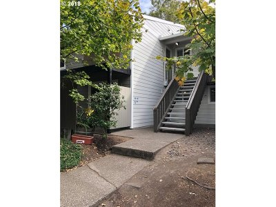 Beaverton Condo/Townhouse For Sale: 5472 SW Alger Ave #B 1