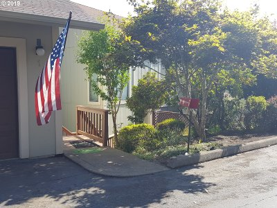 Roseburg OR Condo/Townhouse For Sale: $134,900