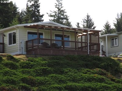 Coos Bay Single Family Home For Sale: 526 Puerto Vista Dr
