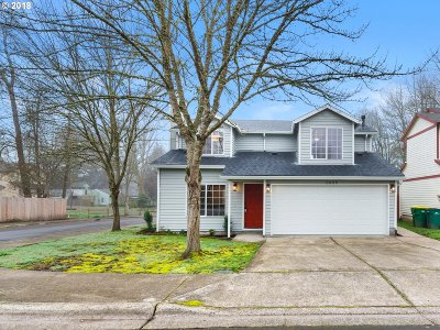 Portland Single Family Home For Sale: 8885 SW 76th Pl