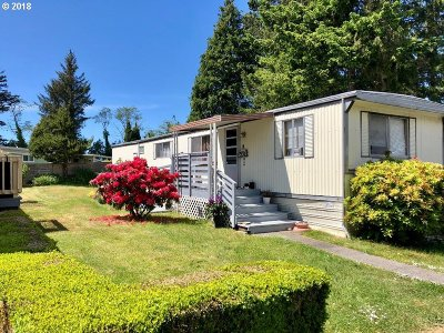 Coos Bay Single Family Home For Sale: 472 Shorepines Pl