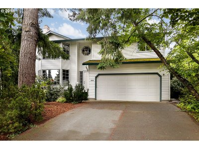 Beaverton Single Family Home For Sale: 7995 SW Barberry Pl
