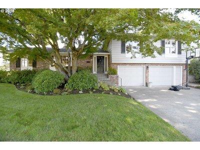 Eugene Single Family Home For Sale: 2115 Oakmont Way