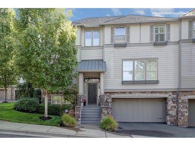 Lake Oswego Single Family Home For Sale: 13422 Auburn Ct