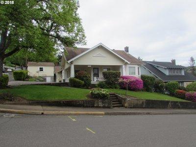 Roseburg Multi Family Home For Sale: 1227 SE Lane Ave