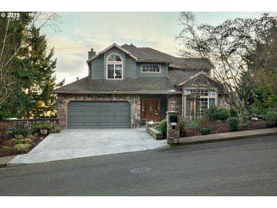Wilsonville Single Family Home For Sale: 8460 SW Rogue Ln