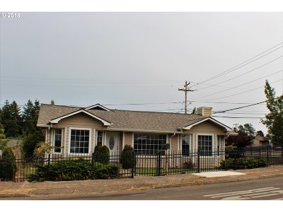 North Bend Single Family Home For Sale: 1995 Johnson