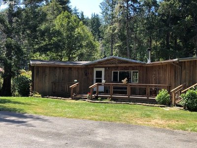 Bandon Single Family Home For Sale: 56556 Tom Smith Rd
