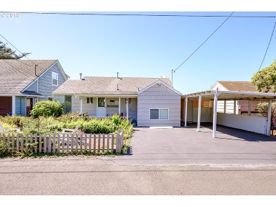 Lincoln City Single Family Home For Sale: 4655 SW Coast Ave
