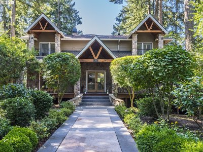 Lake Oswego Single Family Home For Sale: 2057 Summit Dr