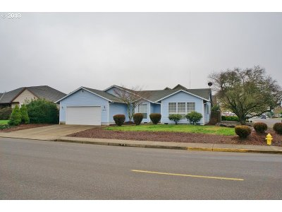 Newberg, Dundee, Mcminnville, Lafayette Single Family Home For Sale: 1490 SW Fellows St