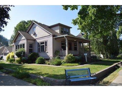 la grande Single Family Home For Sale: 1802 2nd St