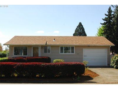 Woodburn Single Family Home For Sale: 1580 Rainier Rd